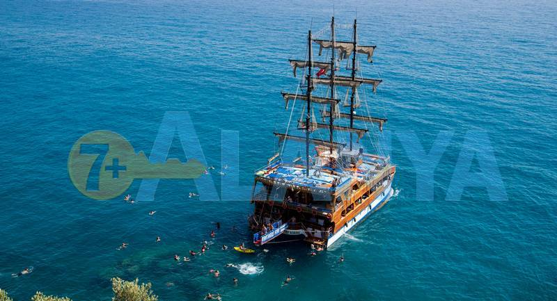 Аланья, Турция. Фото. Бархатный сезон. Купание в море.
