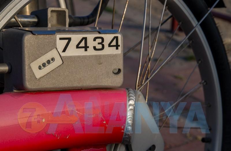 Аланья. Call a bike. Фото инструкиця по использованию системы. Электронный замок на велосипеде.