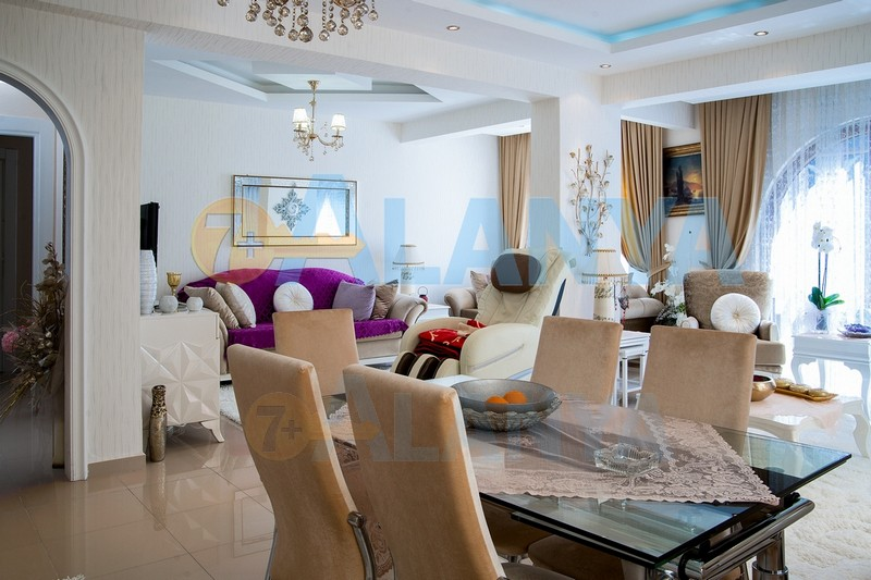 Большая квартира в современном доме: «всё включено»