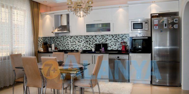 Недвижимость в Аланье. Квартира с мебелью и бытовой техникой. Кухня.