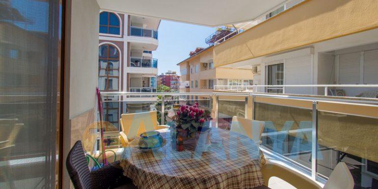 Недвижимость в Аланье. Квартира с мебелью и бытовой техникой. Балкон.