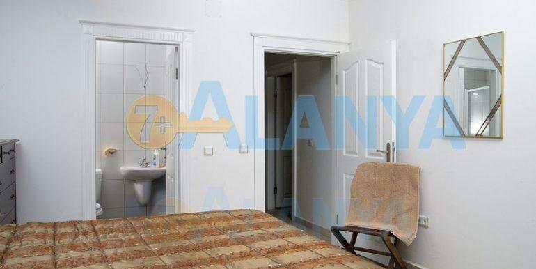 Недвижимость в Аланье, Тосмур. Квартира 2+1. Спальня.
