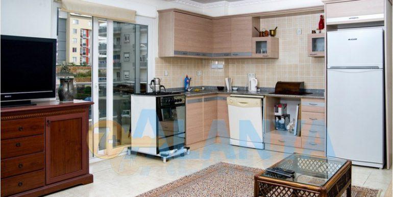 Недвижимость в Аланье, Тосмур. Квартира 2+1. Гостиная и кухня.