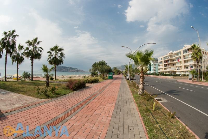 Улица вдоль моря. Оба. Аланья, Турция фото города.