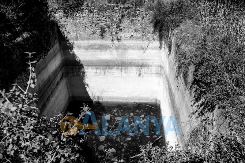Древний город Сиедра в Аланье - цистерны для воды
