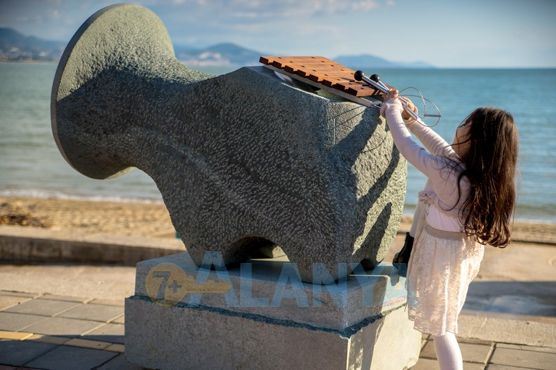 14 Международный Симпозиум по каменной скульптуре - Слоник
