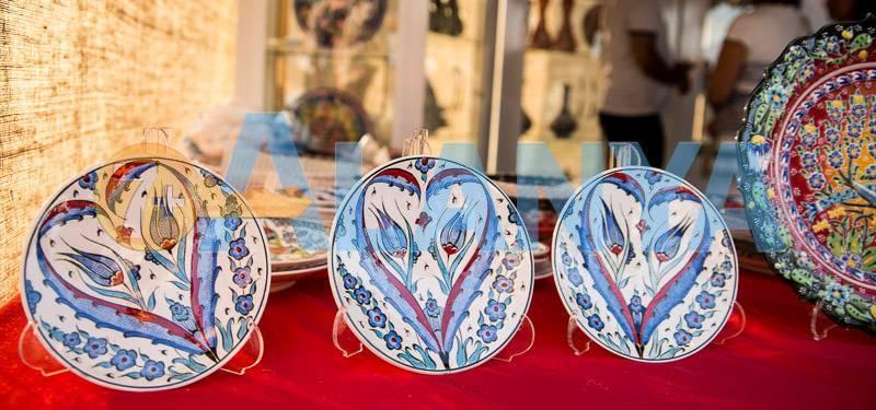 Сувениры из Турции, что привезти. Фото. Декоративные тарелки с ручной росписью.