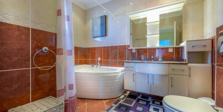 Вилла в Конаклы - ванная комната