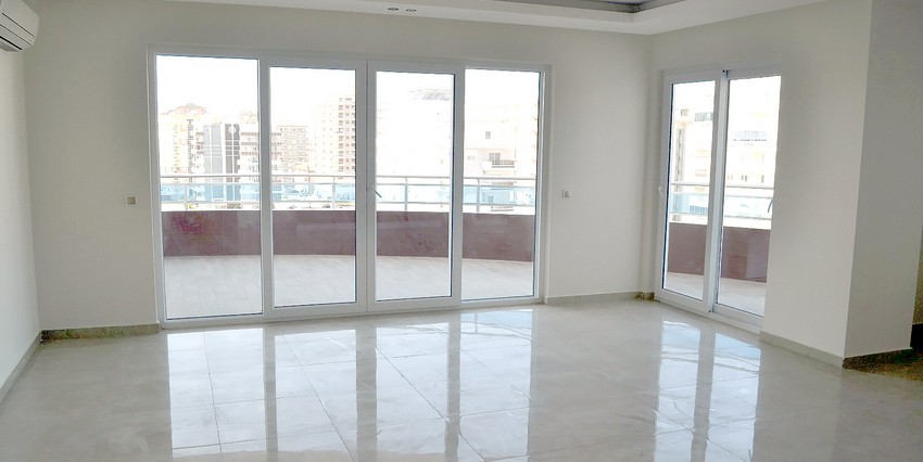Двухкомнатная квартира в Махмутларе - выход на балкон