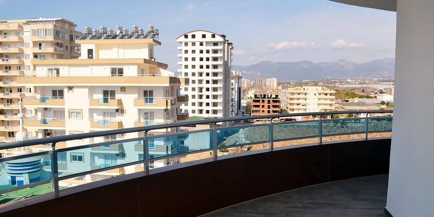 Двухкомнатная квартира в Махмутларе - балкон