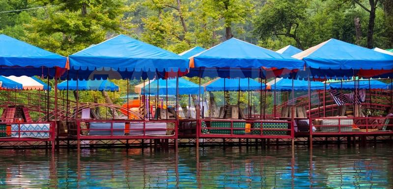 Турция, Аланья. Фото. Река Дим чай Dim Çayı. Пикник на реке.