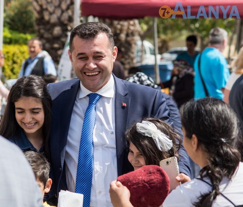 Аланья, Турция фото города. Мэр Аланьи.