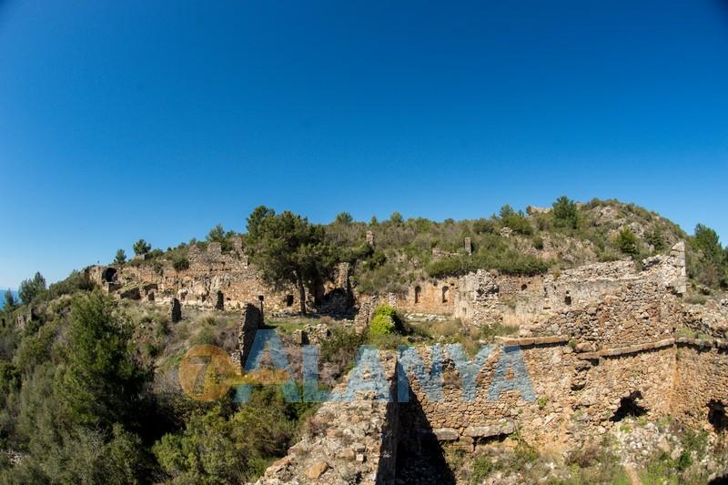Древний город Сиедра в Аланье